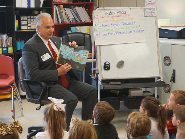 Treasurer Milligan reading to children at a local elementary school.
