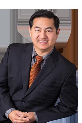 Dennis Huang headshot